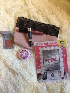 Mi bolsa Ipsy Glam Bag del mes de Febrero My Ipsy Glam Bag from February Desde Agosto 2017 me suscribí en una página para recibir cada mes una bolsita con maquillaje con 5 opciones, tus opciones s…