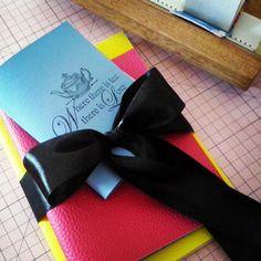 Produzindo: Combo com cadernos e colar  míni book. Coleção Alice no País das Maravilhas #encadernação #creativeartscrap #book #handmade