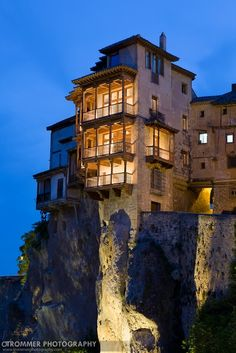 The Infinite Gallery : The Hanging Houses in Spain !!!!!!