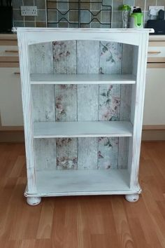 dekoracje I Want Hot Water and I Want It Now! Upcycled Furniture, Painted Furniture, Diy Furniture, Furniture Design, Bookshelf Makeover, Bookcase Makeover, Shabby Chic Crafts, Shabby Chic Decor, French Decor
