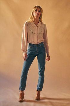 Vintage pale pink blouse with flower details Best suited for a size EU / US / UK Model is a cm ) eu 36 / us 4 / uk Vintage from Oslo. Oslo, Pale Pink, Suits, Flower, Blouse, Jeans, Model, Vintage, Shopping