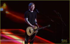 Ed Sheeran Sings 'Bloodstream' & Wins Two Awards at BRITs 2015