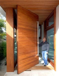 Pivoting entry door