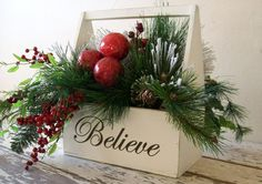 Christmas Decor - Christmas floral arrangement - Country Cottage -