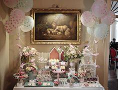 Foi no ambiente clássico do Hotel Vila Galé de Paço de Arcos que foi celebrado o batizado da pequena Vitória.