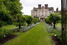 We really love English Manor Houses. English Manor Houses, English Castles, Reading At Home, London Property, Private Garden, Historic Homes, Garden Paths, Beautiful Gardens, Exterior