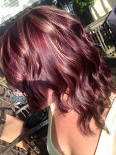 Red Violet Hair Color Ideas In 2020 Red Violet Hair Color with Blonde Highlights Blonde Bayalage, Red Hair With Blonde Highlights, Red Blonde Hair, Balayage Hair, Natural Highlights, Golden Blonde, Hair Color Auburn, Auburn Hair, Red Hair Color
