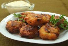 Gombás burgonyakrokett sajtmártással Tandoori Chicken, Paella, Baked Potato, Food And Drink, Potatoes, Dishes, Meat, Baking, Ethnic Recipes