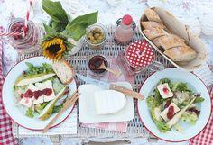 Puppenzimmer - Das Picknick ist angerichtet! #lassunspicknicken #cestbon #geramontpicknickrezept