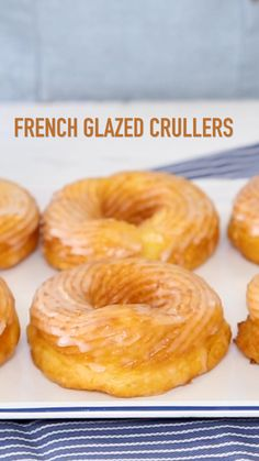 French Glazed Crullers - A breakfast that will please everyone? It's possible with these addicting Glazed Similar to a soft with a sweet simple enough for a lazy week Pastry Recipes, Baking Recipes, Donut Glaze Recipes, French Dessert Recipes, Homemade Donuts, Beignets, Churros, Sweet Recipes, Morning Breakfast
