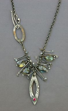 Mirinda Kossoff - necklace of fine and sterling silver with labradorite