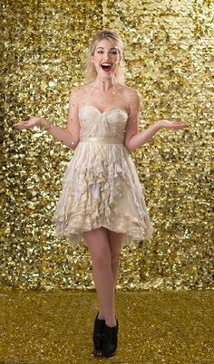 Gold glitter  Styling- Beth Chapman | The White Dress by the shore  Photo- Justin & Mary  Beauty- Jennie Fresa   Dress- Ivy & Aster