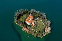 хорватский остров Крк: 26 тис. зображень знайдено в Яндекс.Зображеннях