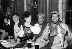 The Blitz kids: How the New Romantics made London swing again Romy Schneider, Cardiff Pubs, London Nightclubs, Blitz Kids, New Wave Music, Stranger Things Steve, Kool Kids, The Blitz, Strange Photos