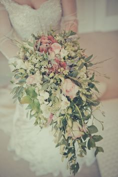 Romantic Vintage Wedding Cascading Teardrop Bouquet  http://helenrussellphotography.co.uk/