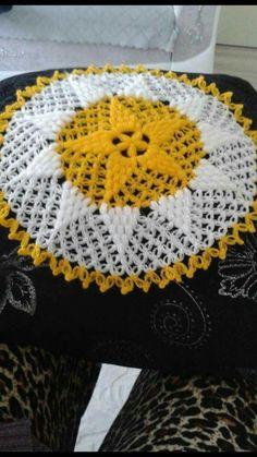 This Pin was discovered by Zah Quick Crochet, Chunky Crochet, Free Crochet, Crochet Flower Patterns, Crochet Flowers, Knitting Patterns, Crochet Star Stitch, Crochet Stars, Beginner Crochet Projects