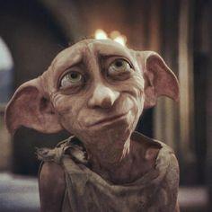 """""""Nao mata, meu senhor, nunca mata-lo(...)Dobby so queria que harry potter se machuca-se o bastante para ser mandado para casa"""" PAG 153 A camara secreta. Tem alguem mais fofo que esse elfo???"""