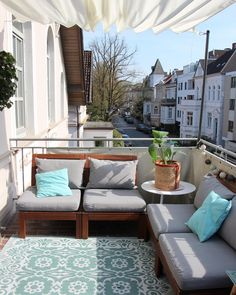 When you plan to invest in patio furniture you want to find some that speaks to you and that will last for awhile. Although teak patio furniture may be expensive its innate weather resistant qualit… Ikea Outdoor, Outdoor Spaces, Outdoor Living, Outdoor Decor, Ikea Patio, Indoor Outdoor, Patio Dining, Patio Table, Patio Chairs