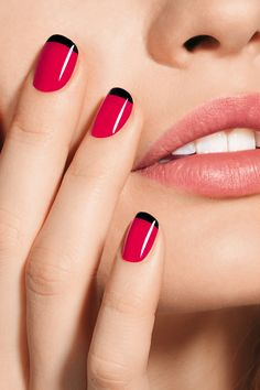 Red nails w/ black tips
