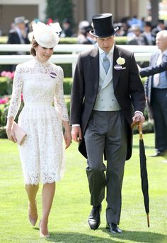 Kate Middleton attended the 2017 Royal Ascot wearing a lacey dress fit for a bridal shower. See photos of her all-white outfit, learn who designed the dress, and get outfit inspiration. Ascot Dresses, Royal Dresses, Nice Dresses, Fashion Dresses, Royal Ascot, Duke And Duchess, Duchess Of Cambridge, Duchess Kate, Suits
