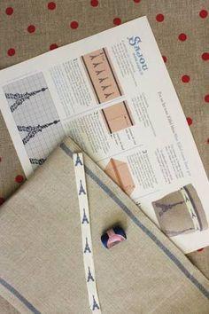 Kit de point de croix Sajou Pot en lin à broder motif tours Eiffel bleues