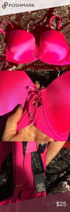 Victoria's Secret bra!! 34D never worn!! Victoria's Secret Intimates & Sleepwear Bras