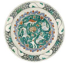 AN IZNIK POLYCHROME POTTERY DISH WITH ANIMALS, TURKEY, 1580-1600
