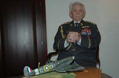 František Peřina :U příležitosti významného životního jubilea, 95. narozenin, které generál Peřina oslaví v sobotu 8. dubna 2006, mu Pavel Štefka předal zlatou pamětní medaili náčelníka Generálního štábu AČR a také osobní dar – věrný model stíhačky Spitfire (v měřítku 1:24), s níž během bitvy o Anglii sestřelil několik nepřátelských letadel. Battle Of Britain, Wwii, Pilot, Captain Hat, Army, Military, History, Image, World War
