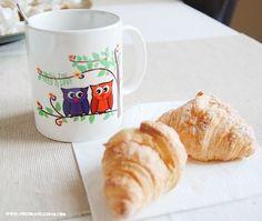 Un té black chai y unos crusanitos  Mejor si es en tu taza virus  http://ift.tt/1n71PmC   #feliztarde #allyouneedislove #buhos #buho #croissant #cruasan #merienda #finde #virusdlafelicidad #blackchai #te #foodies #love