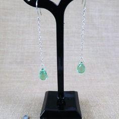 Boucles d'oreilles mougins en perles de verre gouttes facettées vertes