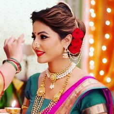 Hina Khan Biography:The actress belongs from a middle-class conservative Muslim family. Marathi Bride, Marathi Wedding, Saree Wedding, Wedding Bride, Marathi Saree, Hairdo Wedding, Wedding Attire, Wedding Dress, Wedding Looks