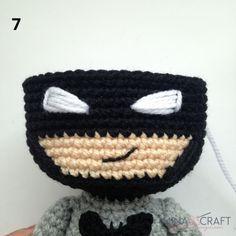 Batman Amigurumi – Minasscraft Patrones Amigurumis Crochet Baby Toys, Crochet Art, Half Double Crochet, Single Crochet, Batman Amigurumi, Crochet Batman, Crochet Dolls Free Patterns, Crochet Basics, Sewing Basics
