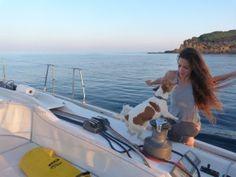 www.papilloncharter.com, alquiler veleros ibiza, alquiler catamaranes yates  vacaciones con tu perro a bordo de un velero
