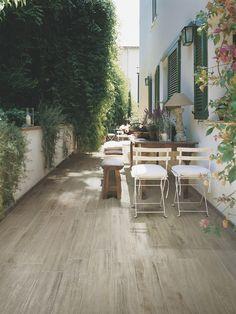 Hout op je terras? Wel met de nieuwste imitatieparketten in keramiek!