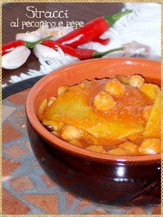 Stracci al pecorino e pepe con ceci (Maltagliati pecorino cheese and pepper with chickpeas) #pastahomemade