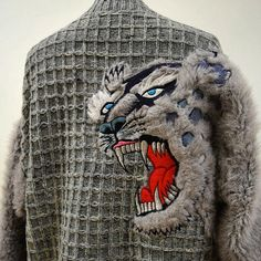 - Product Description - Measurements DETAILS This amazing 1990s Kansai Yamamoto wool sweater with fiercely roaring snow leopard on the back and with two furry sleeves is a real gem piece! Great for a
