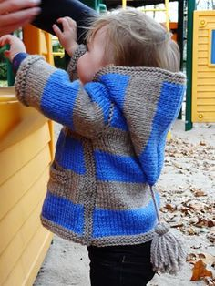hooded sweater: free pattern. looks a little tricky with some short rows and a bind-off method I've never heard of, but has great instructions for how to do it all. would be a nice challenge to try some new stuff.