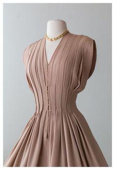 90s Fashion, Korean Fashion, Fashion Outfits, Fashion Trends, Fashion Hair, Modest Fashion, Boho Fashion, 1940s Fashion Dresses, Fashion Headbands