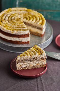 Citromos máktorta lemon curddel | Street Kitchen Lemon Recipes, Sweet Recipes, Cake Recipes, Torte Cake, Good Food, Yummy Food, Hungarian Recipes, Cakes And More, No Bake Cake