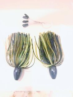 """Pack of 2 - Tungsten 3/4 OZ Wire Tied Skirted Punch Rig in in """"Green Pumpkin Black"""""""