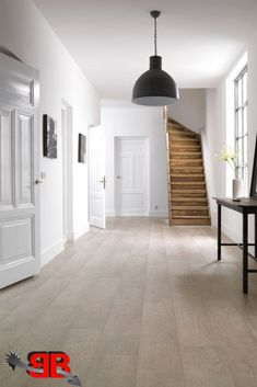 Durable, easy to clean, and eco-friendly before green was a selling point, linoleum is winning new fans. Here's what you need to know if you're considering it for your home Floating Floor, Linoleum Flooring, Attic Spaces, Cheap Home Decor, Home And Living, Interior Inspiration, Sweet Home, New Homes, House Design