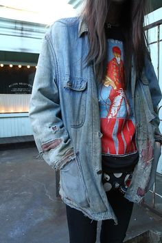 Love the worn jean jacket// @MissyBridgey