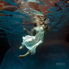 Underwater Basia | digart | digart.pl