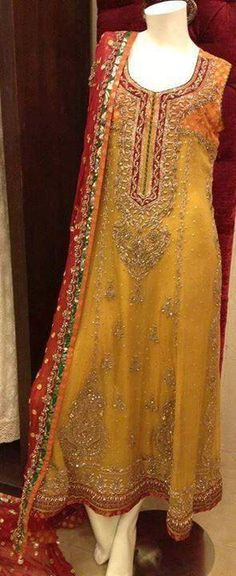 Mehndi Outfit http://www.myoffstreet.com/product/129659