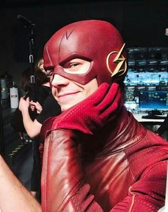 Grant Gustin on the flash set