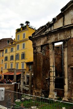 Portico d'Ottavia (photo Luca Semplicini) http://www.romeing.it/the-jewish-quarter-in-rome/