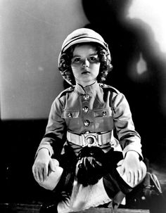 shirley temple portrait for wee willie winkie 1937764 x 983 | 449.2 KB | miss-shirley-temple.tumblr....