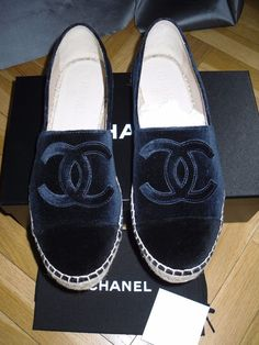 I would buy these. Top Shoes, Cute Shoes, Me Too Shoes, Shoes Sandals, Nigeria Fashion, Fashion Shoes, Fashion Accessories, Preppy Fashion, Chanel Espadrilles
