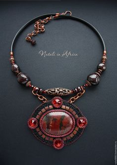 Handmade Necklaces, Jewelry Necklaces, Beaded Necklace, Jewellery, African Necklace, Beaded Jewelry Designs, Necklace Tutorial, Bead Embroidery Jewelry, Leather Jewelry