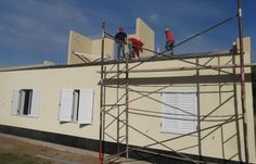 Construcción de viviendas en Luan Toro